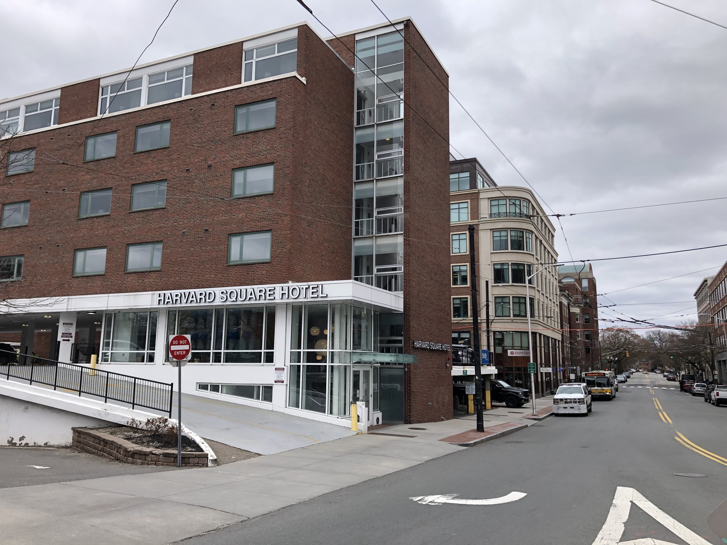 The University-owned Harvard Square Hotel has opened its doors to medical workers and first responders as a place to stay near local healthcare facilities as they help fight the coronavirus.