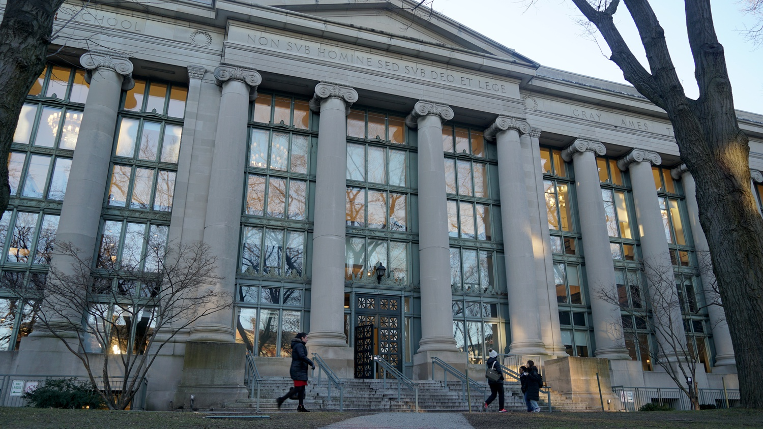 Harvard Law School Dean John F. Manning '82 joined deans from 20 law schools across the country in a letter to the New York Court of Appeals advocating for measures to allow more students to take the New York bar exam while respecting public health concerns.