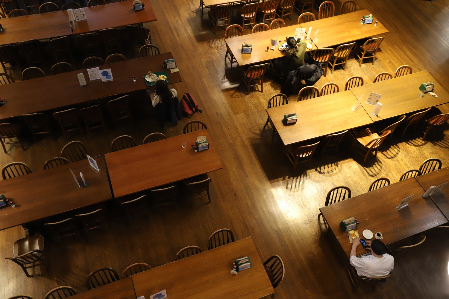 Following the College's announcement in March that most students must vacate campus due to the novel coronavirus outbreak, Annenberg Dining Hall was almost completely vacant.