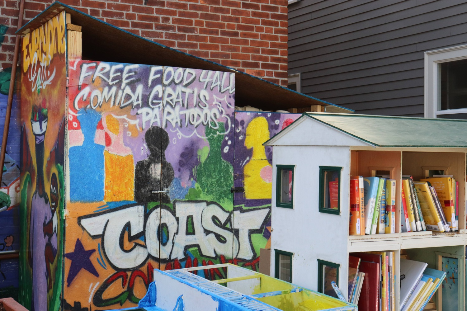 The Coast Community Fridge is located outside of the Cambridge Community Center. It is an initiative of the Cambridge City Growers, a group founded in April 2020.