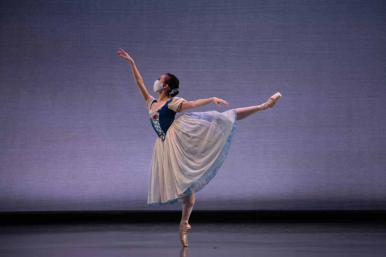 Soloist Chisako Oga in a variation from Giselle.
