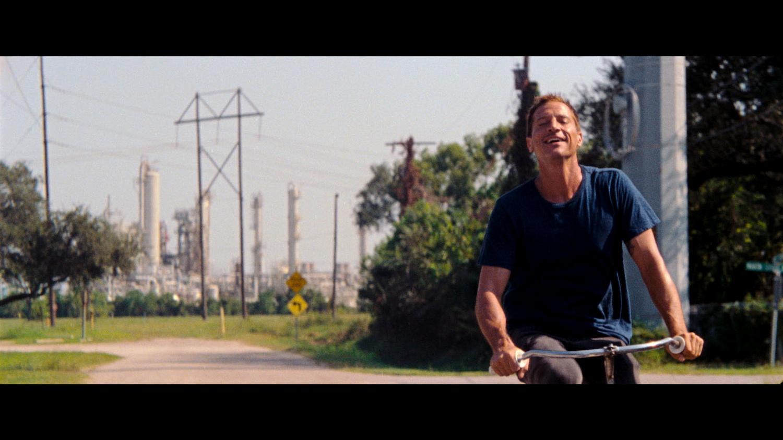 "Mikey Saber (Simon Rex) in ""Red Rocket"""