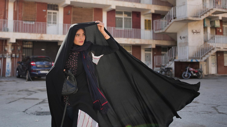 """Farkhondeh (Sahar Goldust) in """"Ghahreman"""""""