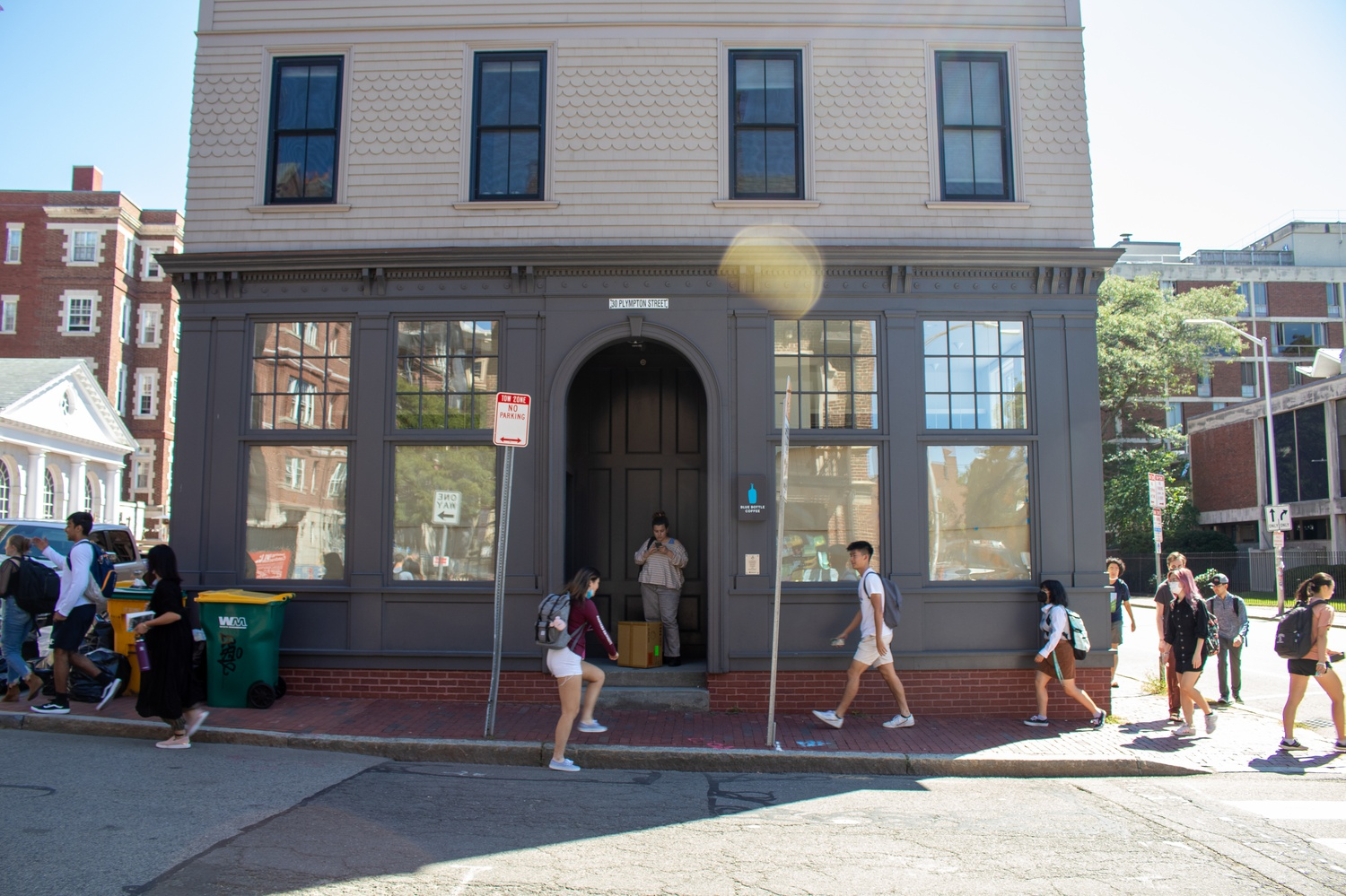 The Harvard Square location of Blue Bottle Coffee closed in May 2021.