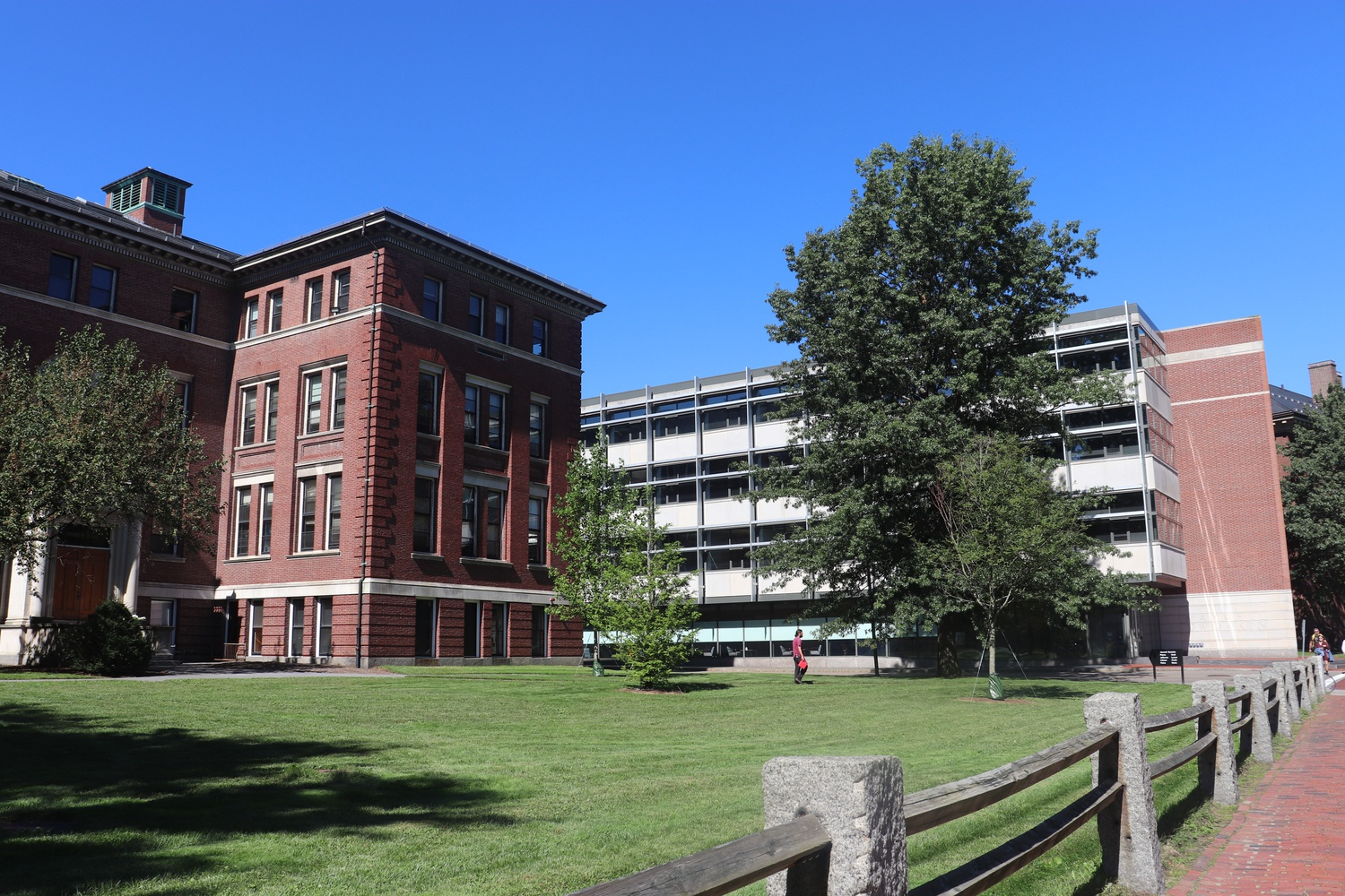 Pierce Hall (left) and Maxwell Dworkin Laboratory (right) house facilities used by the School of Engineering and Applied Sciences.