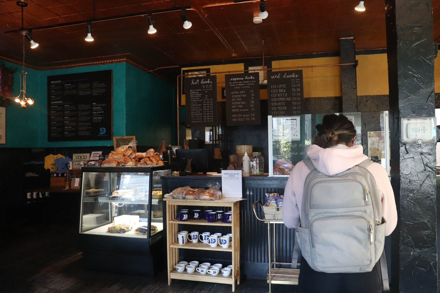 Workers at Darwin's, pictured above, and Pavement, two Harvard Square coffee shops, have recently started campaigning for unionization.