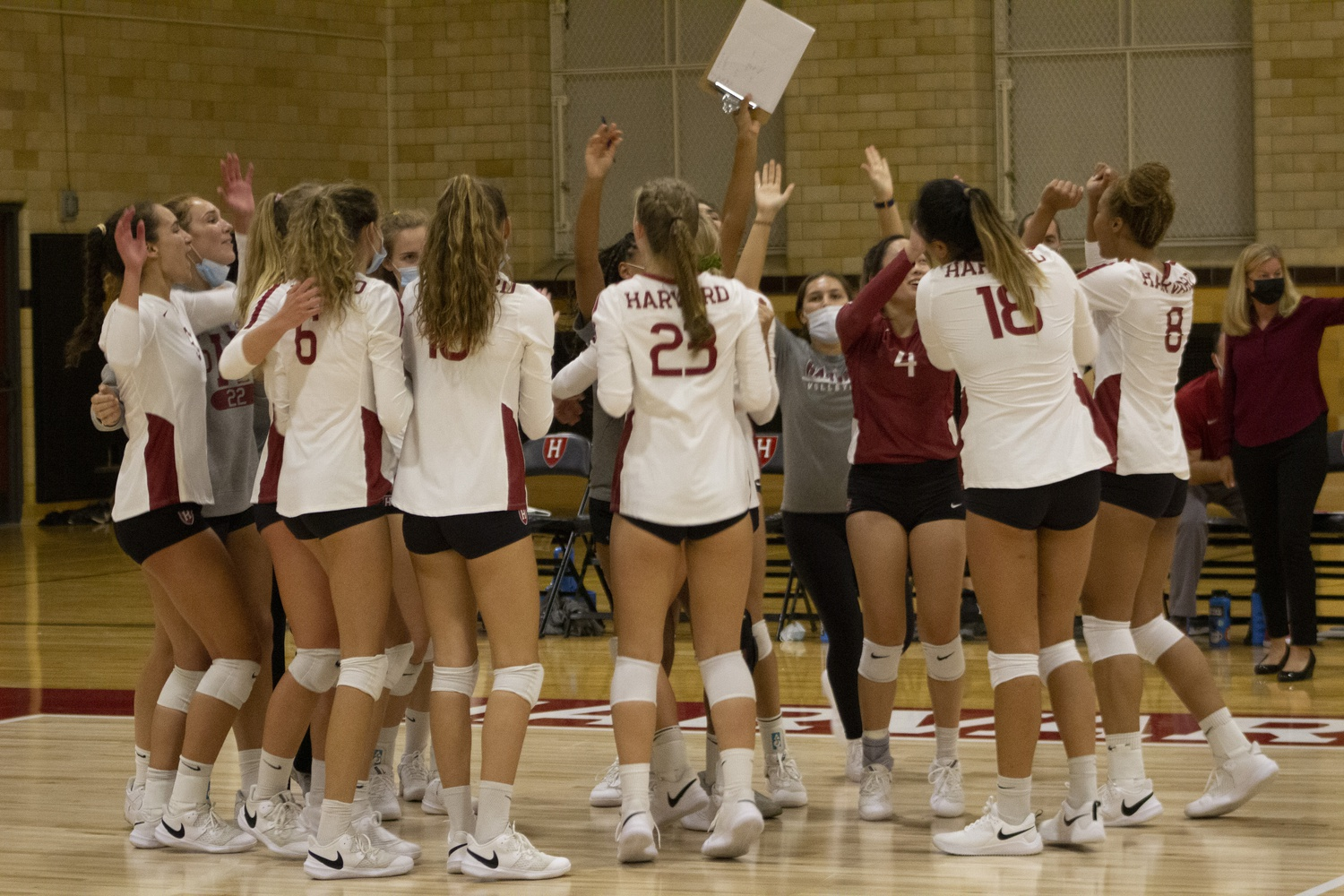 Harvard has a 2-1 record in Ivy League play after splitting a pair of closely contested matches over the weekend.