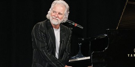 Chuckleavell440x220