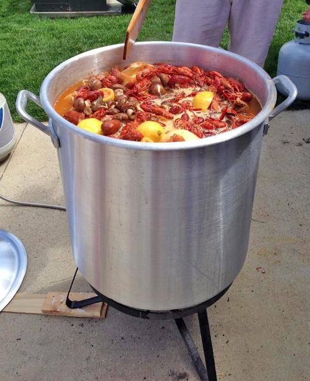 Crawfish_boil_kettle