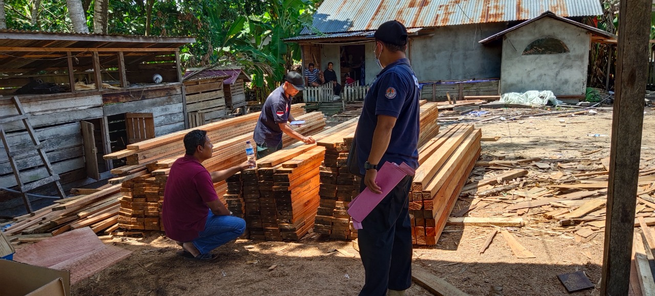 Illegal sawmill owner arrested in Riam Berasap Jaya