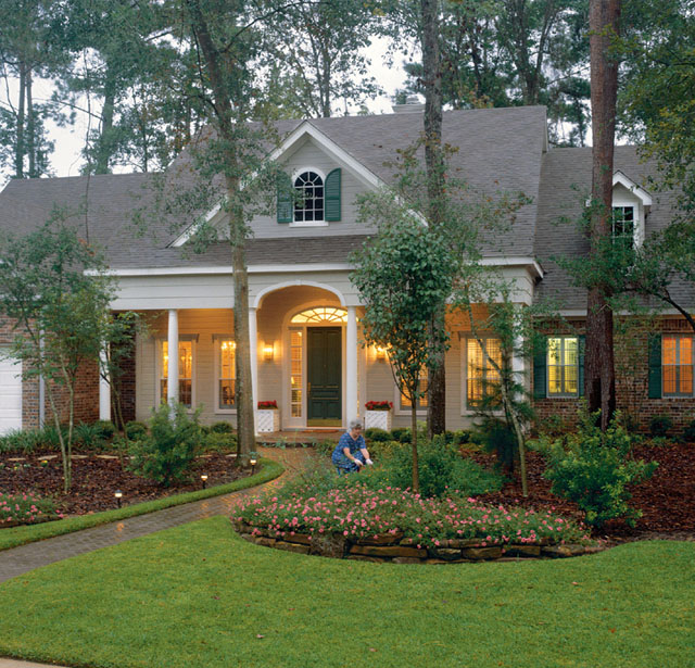 Front House Landscape Design Ideas: Valleydale - Stephen Fuller, Inc.