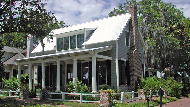 Lowcountry cottage cottage living southern living for Low country tiny house show