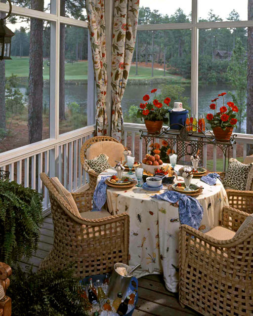 Screen Porch Dining