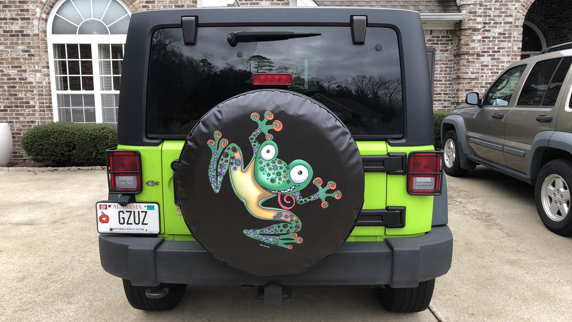 Flippin Frog sure matches this customer green jeep well.