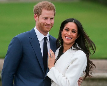 1127 prince harry meghan markle ring engaged photos launch 7
