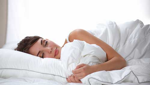 sleep-on-top-of-a-wet-sheet-or-cloth