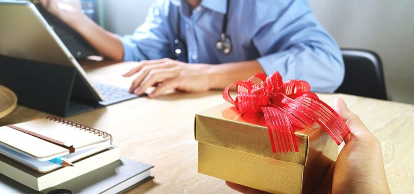 4 great going away gifts for coworkers thejobnetwork