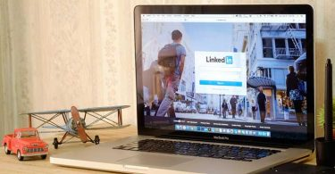 add/converting-your-resume-linkedin
