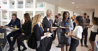 10-effective-networking-conversation-starters
