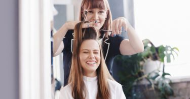 3 jobs you can get with a cosmetology license