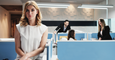 3-signs-your-coworkers-dislike-you