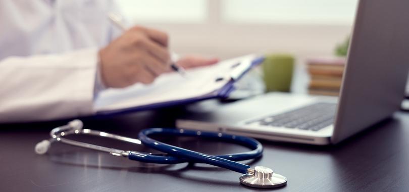 How-to-decide-between-multiple-healthcare-job-offers