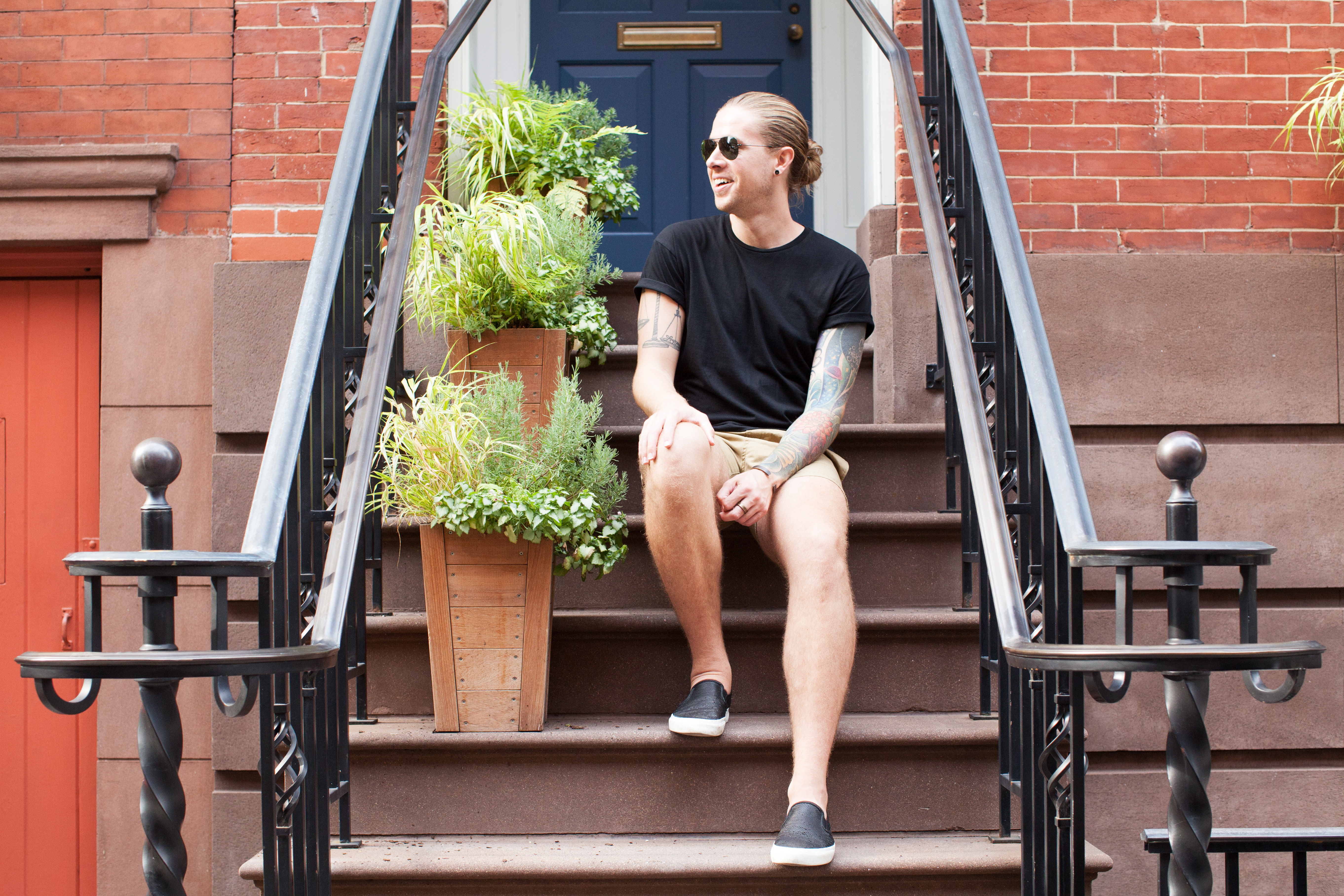topman, hm, mens shorts, black t-shirt, how to dress in the summer