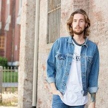 The Kentucky Gent, a men's fashion and life style blogger, in Levi's Denim Jacket, Kentucky for Kentucky Baseball Tee, H&M Skinny Jeans, and Steve Madden Troopah Boots.