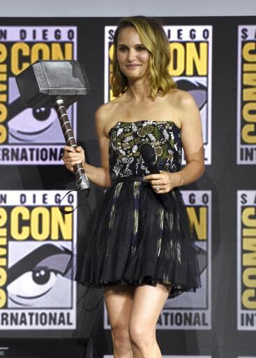 Natalie Portman is Thor!