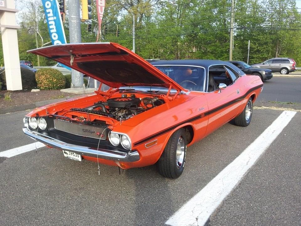 "AJ's ""Badass Friday"" Car of the Day: 1970 Dodge Challenger 383 Magnum R/T Hardtop Coupe"