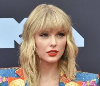 Taylor Swift sets another record
