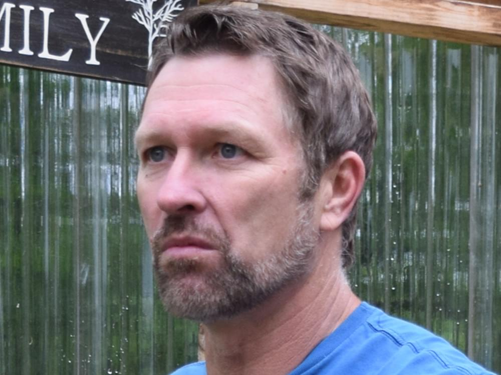 "Craig Morgan Delivers Impassioned Performance of ""The Father, My Son & the Holy Ghost"" in New Video [Watch]"