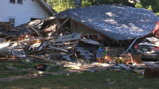 Family In Need After House Explodes In Topeka – Donate Now
