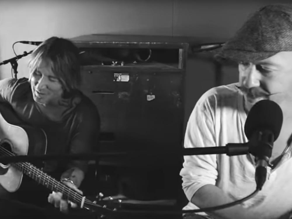 "Watch Keith Urban Team With Irish Singer/Songwriter Foy Vance for Acoustic Performance of ""Burden"""
