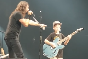 Dave Grohl Covers Metallica with 10-year-old