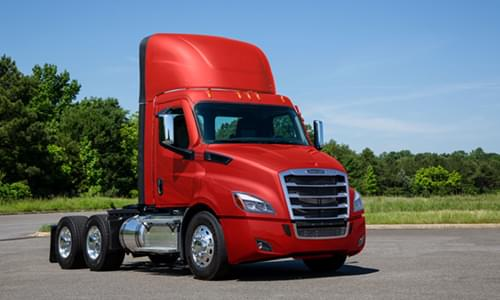 Lightest Powertrain Now Available for Order in Freightliner Cascadia