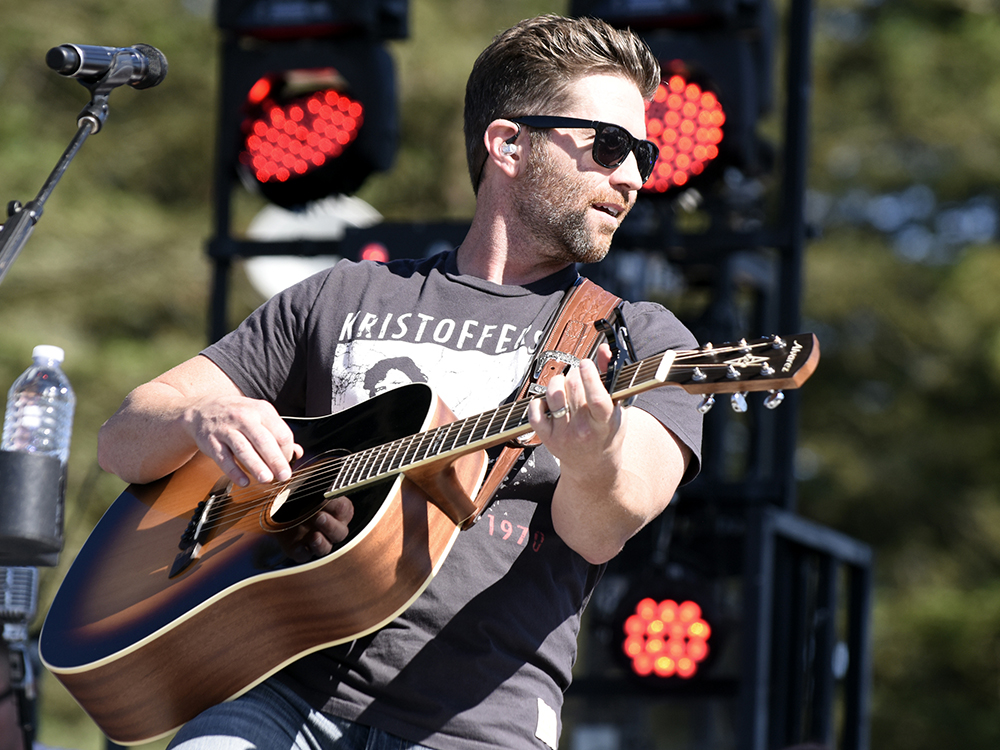 """Josh Turner Readies New Album, """"Deep South,"""" for March 10 Release"""