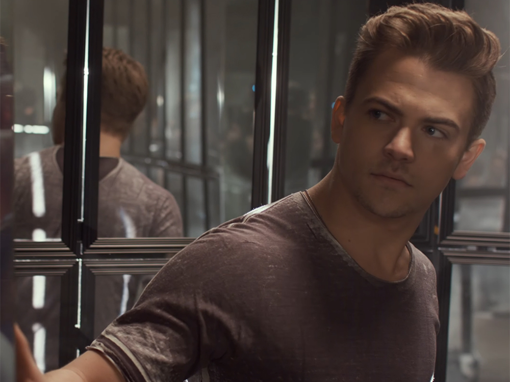 """Hunter Hayes Gets Reflective in New Video for """"Yesterday's Song"""""""