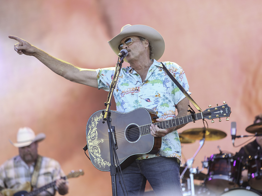 Alan Jackson, Luke Bryan and Kenny Chesney Bring Surf, Sand, Sun and Lots of Country Music to Tortuga Music Festival [Photo Gallery]