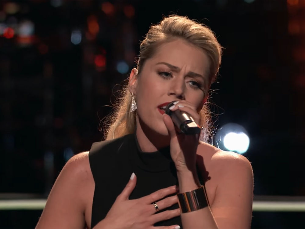 """Carrie Underwood's Former Backup Singer, Andrea Thomas, Takes On Faith Hill's """"Cry"""" in """"The Voice"""" Knockout Round"""
