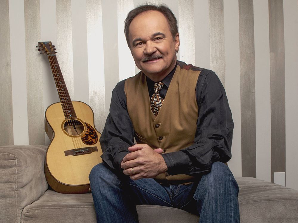 """Jimmy Fortune Reveals Inspiration Behind Recording of John Denver's """"Annie's Song""""— """"We Did It For Mindy"""""""