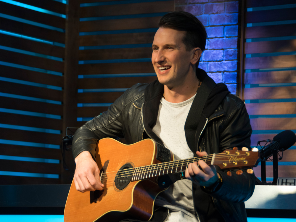 "Russell Dickerson's ""Yours"" Hits No. 1 on Billboard's Country Airplay Chart"