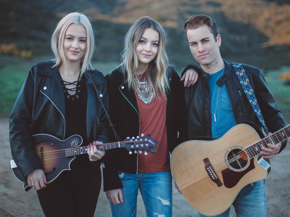 Watch Temecula Road Close Out 2017 With a 17-Song Mash-Up of This Year's Most Popular Country Tunes