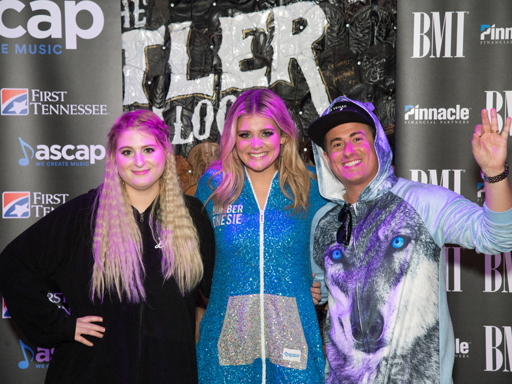 Lauren Alaina Celebrates First No. 1 Song With a Onesie Party