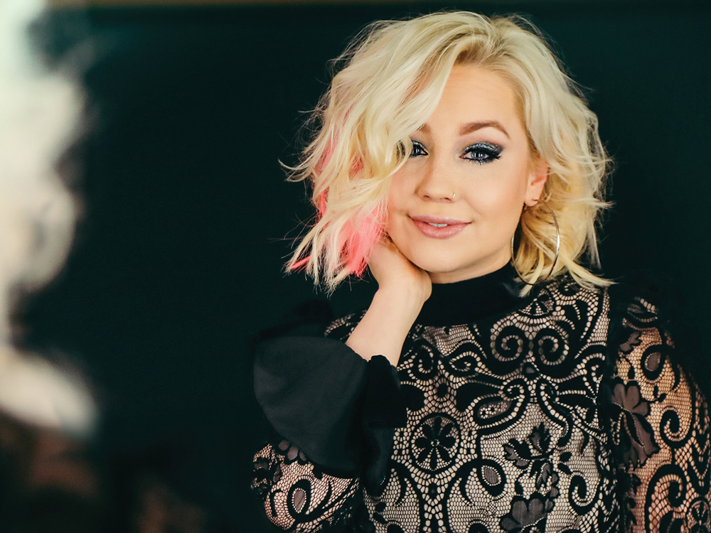 """Listen to RaeLynn's Ringing New Single, """"Lonely Call"""""""