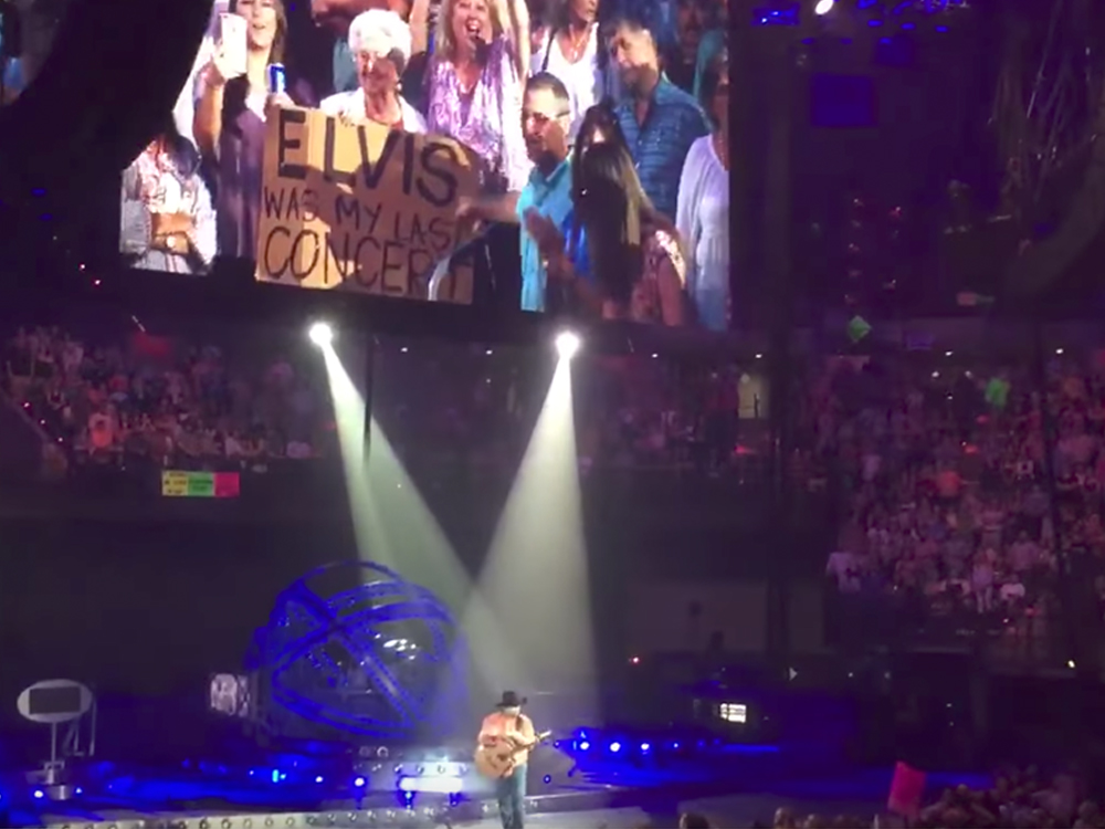 """Watch Garth Brooks Serenade 89-Year-Old Fan With """"If Tomorrow Never Comes"""""""