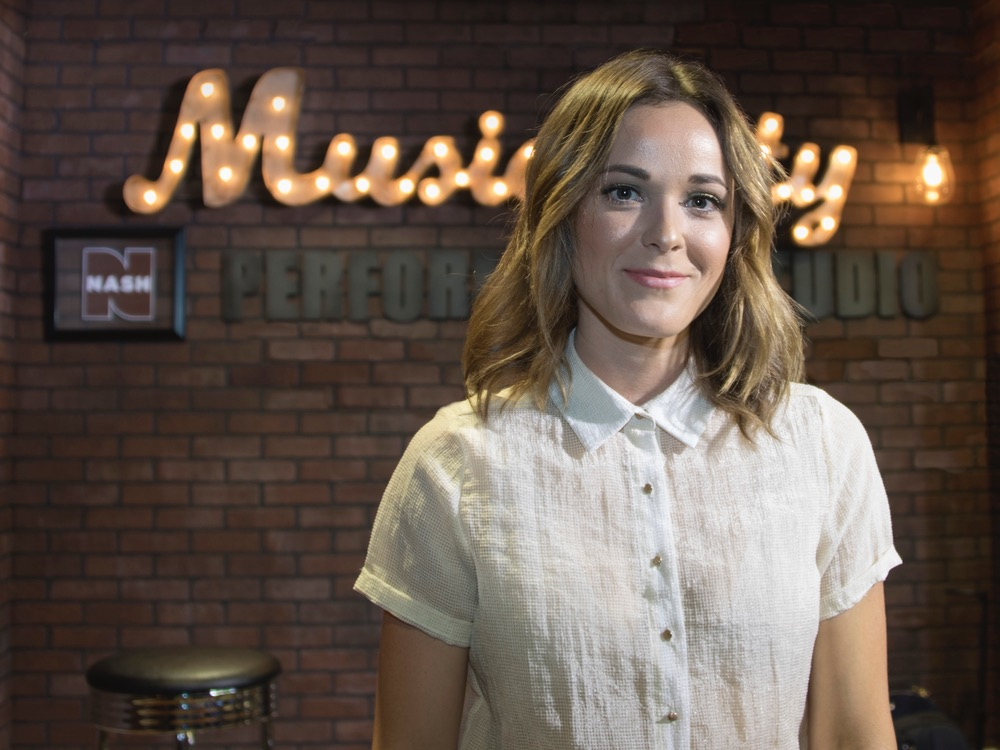 """Jillian Jacqueline Has Plenty of """"Reasons"""" to Be Excited About Her Upcoming Single [Watch]"""