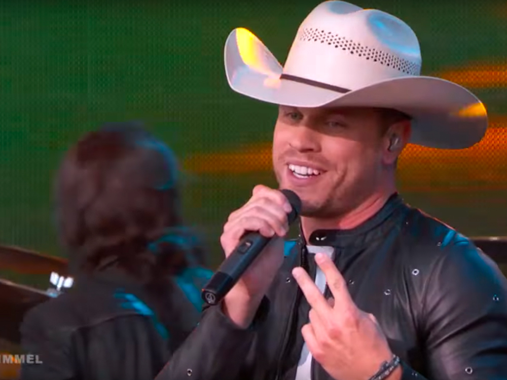 """Watch Dustin Lynch Perform New Song, """"I'd Be Jealous Too,"""" on """"Jimmy Kimmel Live"""""""
