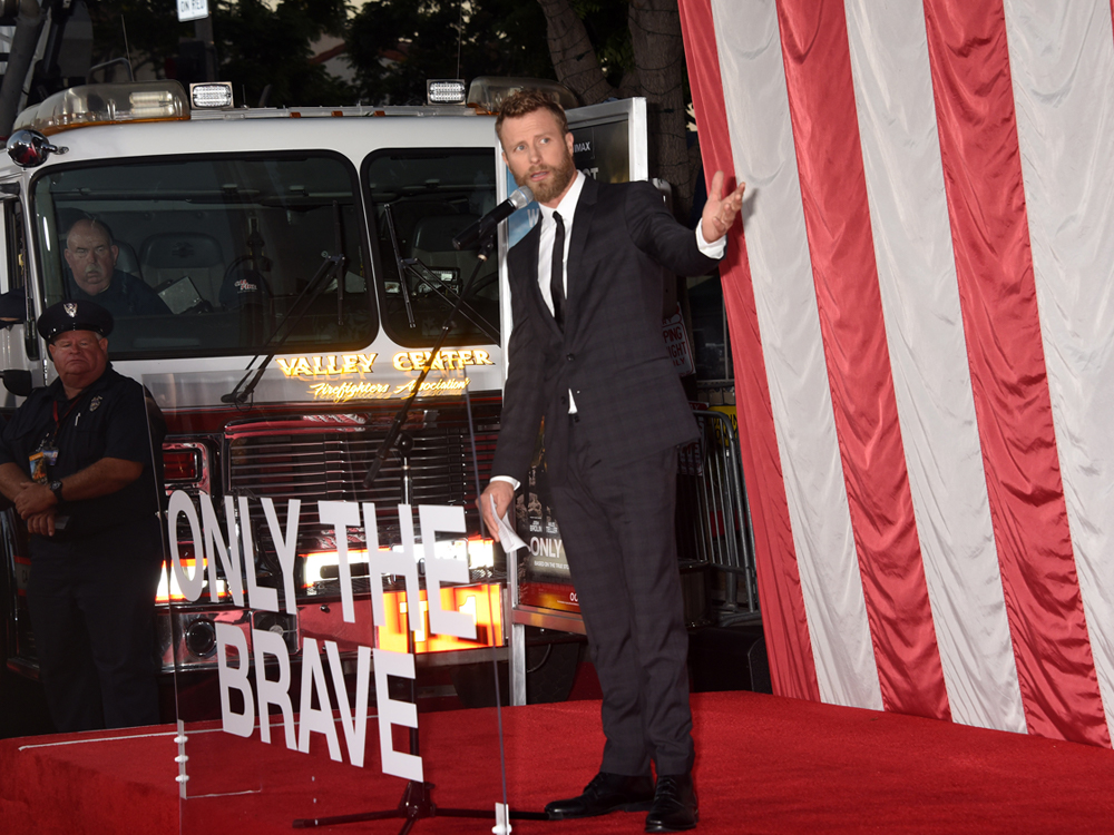 """Dierks Bentley, Jeff Bridges, Jennifer Connelly, Josh Brolin & More Walk the Red Carpet at """"Only the Brave"""" Movie Premiere [Photo Gallery]"""