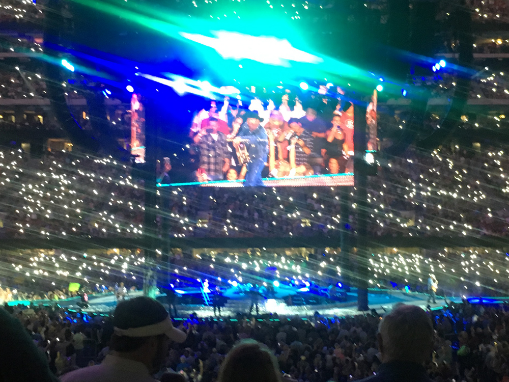 """Watch Garth Brooks Perform """"The Devil Went Down to Georgia"""" in Front of 73,000 Fan in Atlanta"""